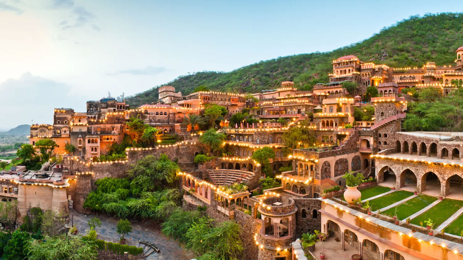Rajasthan Tours Packages | Best Rajasthan Tours And Travels | Rajasthan Tour Operator | Rajasthan Holiday Packages - Tirupati Holidays